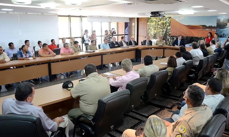 Foto 1 - Gov com Sindicatos no Palacio Araguaia - foto - Tharson Lopes Secom
