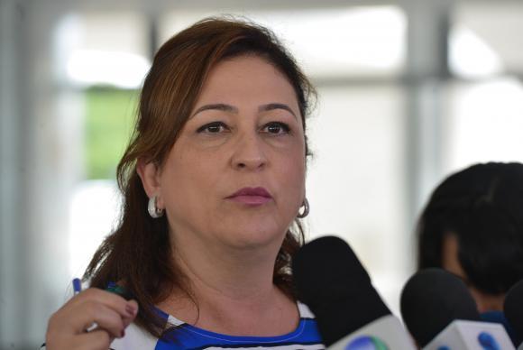 A ministra da Agricultura, Katia Abreu, fala à imprensa após reunião com a presidenta Dilma Rousseff, no Palácio do PlanaltoJosé Cruz/Agência Brasil