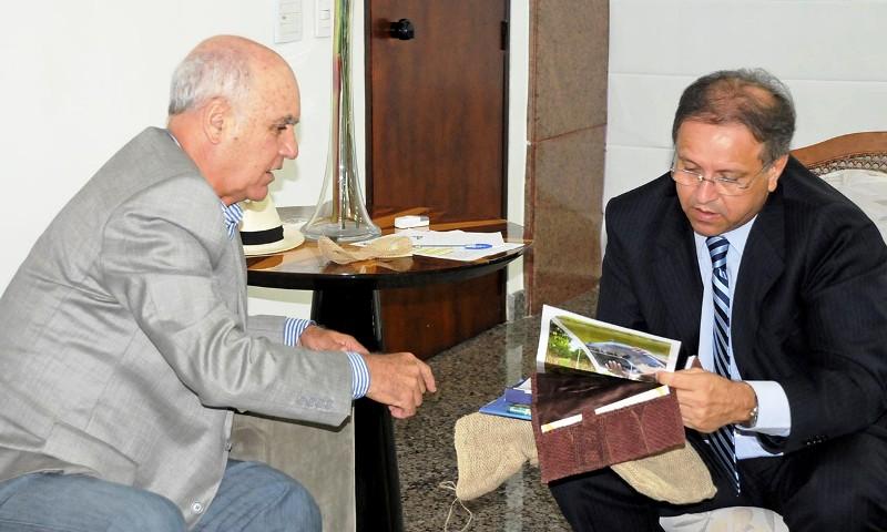 Foto 2 - gov com Carlos Magno - Chefe Geral -Zezinha Carvalho Secom