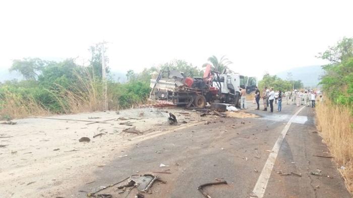 Corpo de Bombeiros socorre vítimas de acidente na TO-030 na região de Taquaruçu
