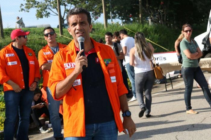 Petroleiros não se intimidam com decisão do TST e mantêm greve