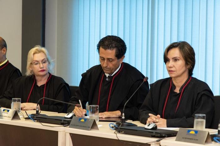 Novo chefe do MPE é empossado em sessão solene do Colégio de Procuradores de Justiça