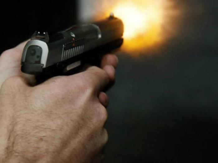 Mãe morre e filho fica ferido após serem atingidos por tiros durante aniversário