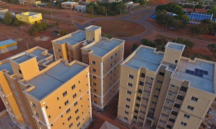 Mais de oitenta famílias recebem unidades habitacionais nesta quarta-feira