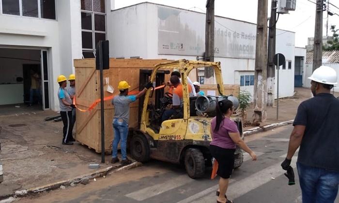 Estado começa instalação da máquina de radioterapia de Araguaína