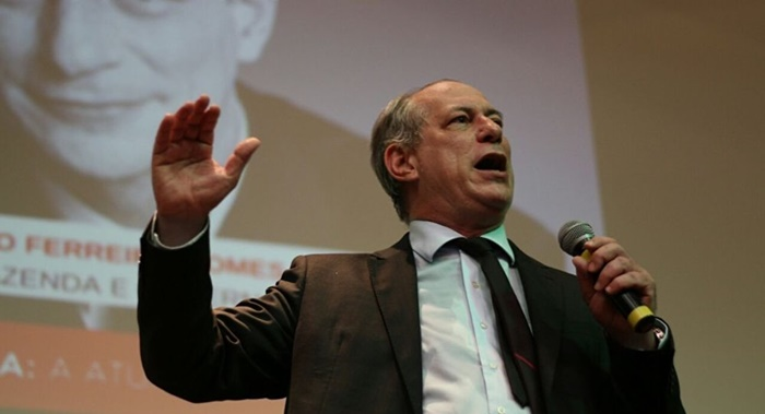 Ciro chama Bolsonaro de 'salafrário' e de 'fascista'