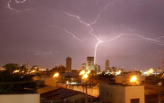 Corpo de Bombeiros alerta para incidência de tempestade com raios em todo o Tocantins
