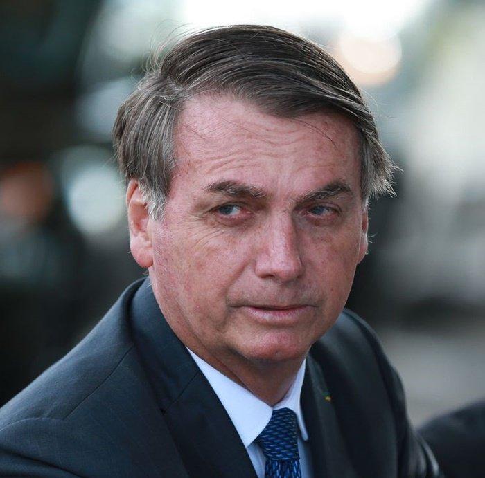 'Não dou bola para isso', diz Bolsonaro sobre Brasil ainda não ter vacinação contra COVID-19