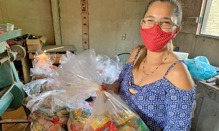 Governo do Tocantins atende 20 municípios em mais uma etapa de entrega de cestas básicas
