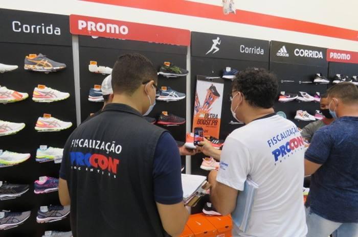 Propaganda enganosa e ausência de preço leva o Procon Tocantins a autuar quatro estabelecimentos durante a Black Friday