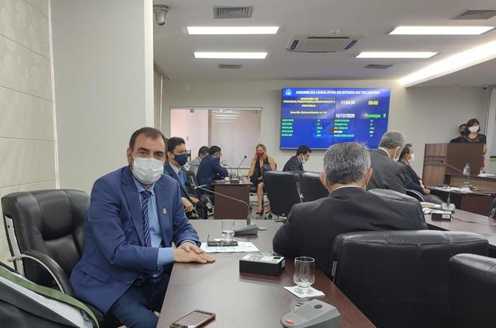 Curado da Covid-19, deputado Issam Saado participa de sessões na Assembleia