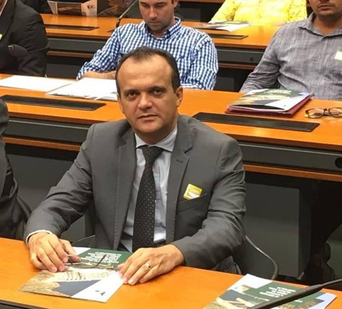 Prefeito de Porto Nacional é internado com Covid-19; primeira-dama também testou positivo