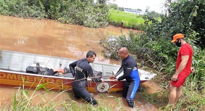 Bombeiros localizam corpo de homem desaparecido no Rio Lontra
