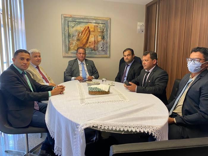Eduardo Madruga acompanha prefeitos em encontros com parlamentares em Brasília