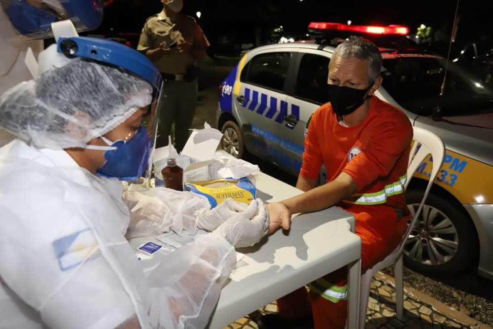 Polícia Militar realiza testagem para diagnóstico da Covid-19 na Praça dos Girassóis