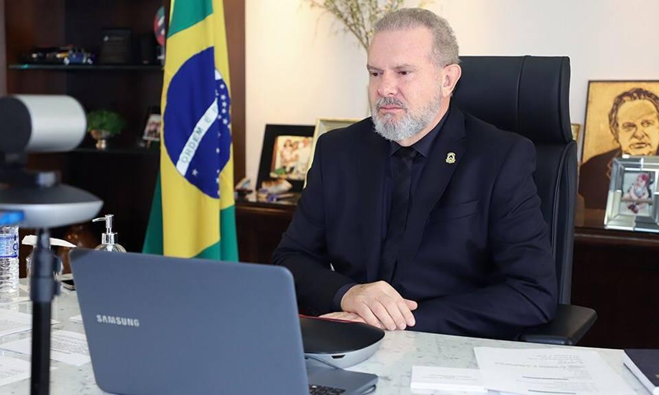 Governador Carlesse decreta ponto facultativo no dia 1º de abril e prorroga trabalho remoto e Força Tarefa por mais 15 dias
