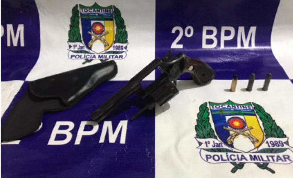 Homem é preso pela PM por porte ilegal de arma de fogo, desacato e perturbação do sossego público em Araguaína