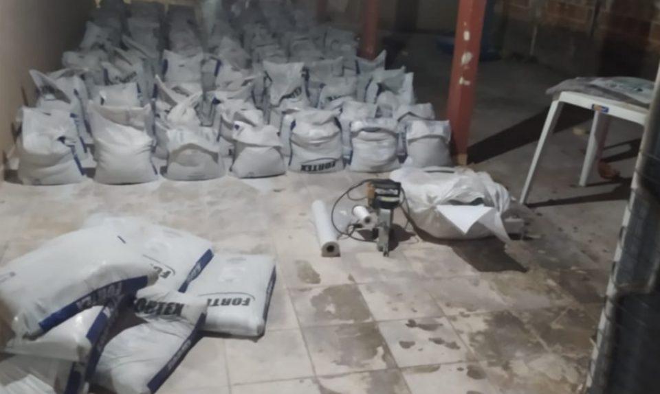PM apreende dez toneladas de suplemento mineral adulterado na região sul do Estado